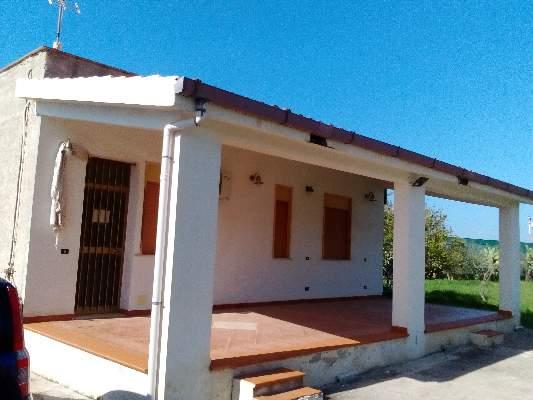 Case in vendita cinisi wikicasa for Case con 4 camere da letto con seminterrato finito in vendita