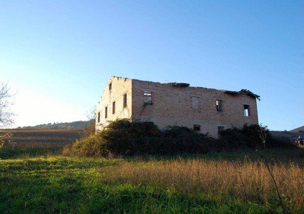Case Di Campagna Marche : Case di campagna e rustici in vendita san severino marche
